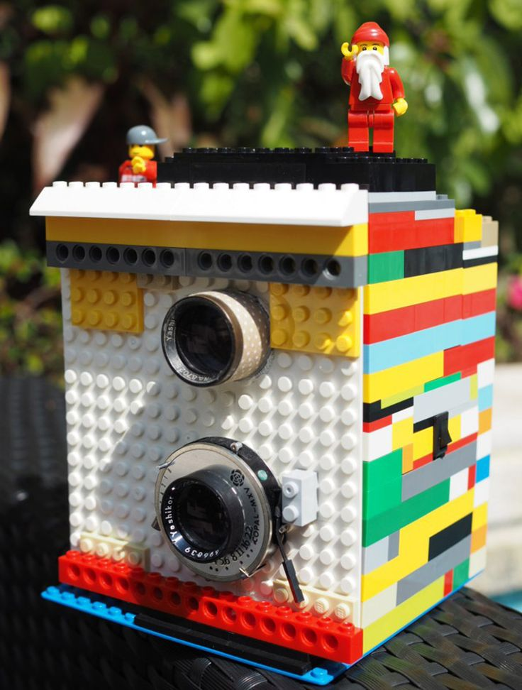 twin lens LEGO camera prints instant pictures with a click of a brick