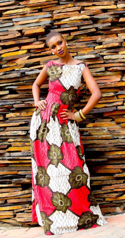African Fashion & Style Temos o Tecido!   Criação de Hunadi Bespoke #ItsAllAboutAfricanFashion #AfricaFashionLongDress #AfricanPrints #kente #ankara #AfricanStyle #AfricanFashion #AfricanInspired #StyleAfrica #AfricanBeauty #AfricaInFashion