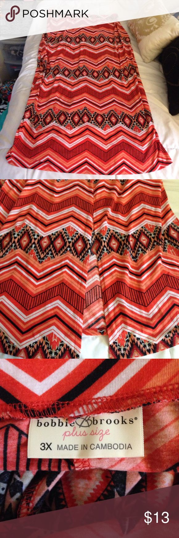 Bobbie Brooks 3X Orange Tribal Maxi Skirt W/ Slit Bobbie Brooks 3X Orange Tribal Maxi Skirt With Slit! Worn one time. So vibrant and pretty. Make me an offer! Bobbie Brooks Skirts Maxi