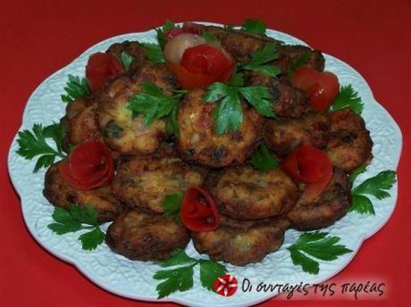 Μια κυκλαδίτικη συνταγή για εύκολους, νόστιμους και αρωματικούς ντοματοκεφτέδες.
