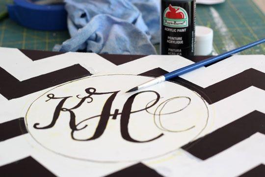 How to make a monogramPaint Furniture, Furniture Makeovers, Diy Crafts, Painting Monograms, Diy Monograms, Monograms So, Monograms Stools, Monogram Canvas Painting Art, Chevron Monograms
