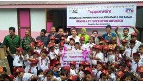 Sekolah Baru, Hadiah Indah Tupperware untuk 450 Siswa Korban Sinabung