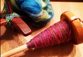 Leer tolspinnen met de leuke workshop van Dutch Wool Diva op KNIT&KNOT. Zeker zijn van een plaats? Reserveer dan nu alvast op www.knitenknot.nl