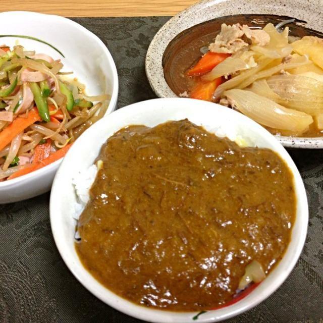 変な組み合わせ(笑) - 4件のもぐもぐ - 残りカレー、豚の肉じゃが、もやしの中華サラダ。 by Angie44