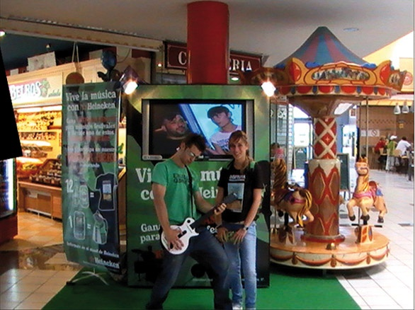 Campaña de #Heineken. #2009 #TradeMarketing #ideas #CentrosComerciales. http://www.lacaseta.com