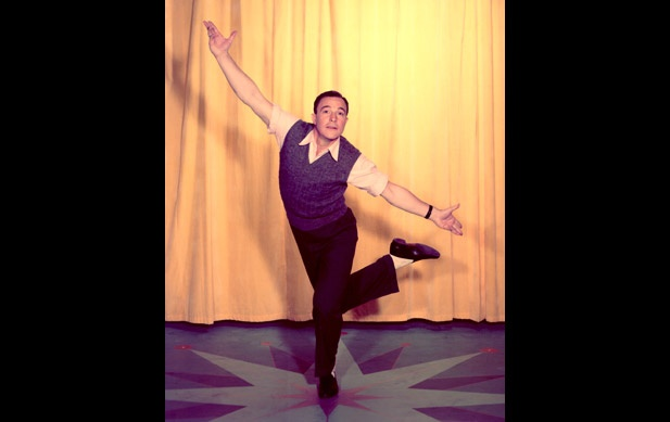 Gene Kelly - Gene Kelly Pictures - Biography.com