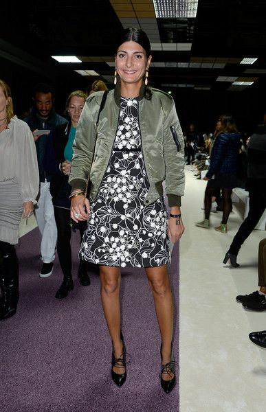 Giovanna Battaglia Photos - Giambattista Valli : Front Row - Paris Fashion Week Womenswear Spring/Summer 2016 - Zimbio