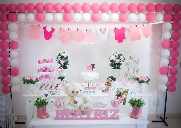 Aluguel   - Mesa principal   - Aparador   - Porta presentes   - Painel e armação de balões.      Mesa principal compõem:   - 1: porta doces de 3 andares em forma de escada em mdf   - 1: boleira provençal quadrada em mdf   - 3: bandeja provençal em mdf   - 2: vaso romano de cerâmica com flores ( artificiais...
