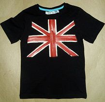 "DISEÑO ""UNION JACK"" SOBRE CAMISETA MANGA LARGA COLOR AZUL Mº."