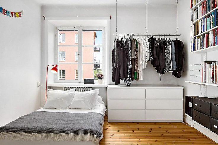 Black and White Clothes. ähnliche tolle Projekte und Ideen wie im Bild vorgestellt findest du auch in unserem Magazin