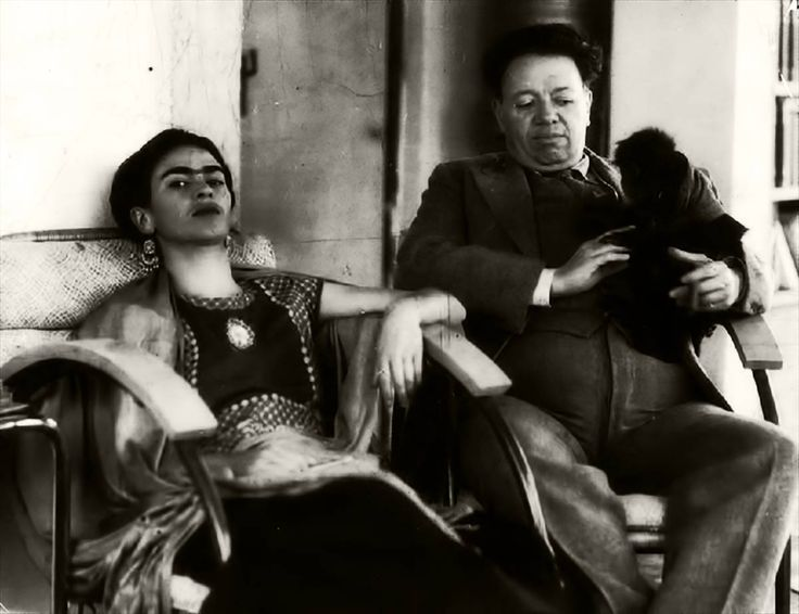 """L'amore ti spinge a dire cose inimmaginabili altrimenti. Ecco le incredibili parole di Frida Kahlo a Diego Rivera  """"Tu mi piovi - Io ti cielo Tu la finezza, l'infanzia, la vita - amore mio - bambino - vecchio madre e centro - azzurro - tenerezza - Io ti porgo il mio universo e tu mi vivi Sei tu che io amo oggi. Ti amo con tutti gli amori.""""  #FridaKahlo, #DiegoRivera, #grandeamore, #universo, #liosite, #citazioniItaliane, #frasibelle, #italianquotes, #sensodellavita, #perledisaggezza…"""