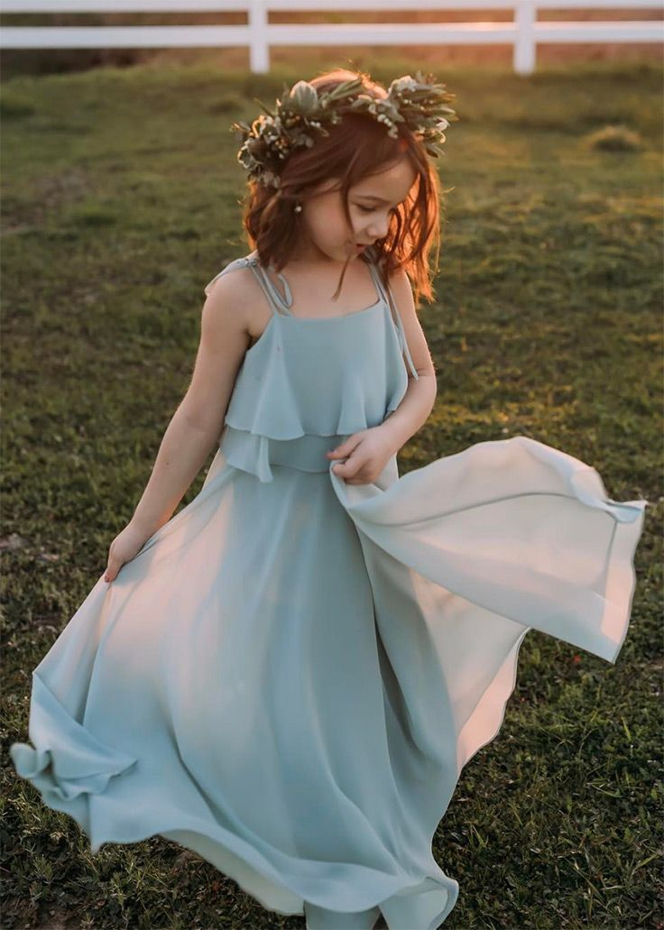 Sweet, classic flower girl looks that will melt your heart