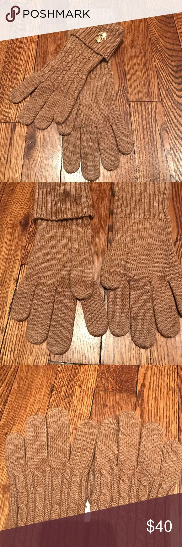 Tory Burch Gloves Used but in great condition. Camel color with gold tone logo. Tory Burch Accessories Gloves & Mittens
