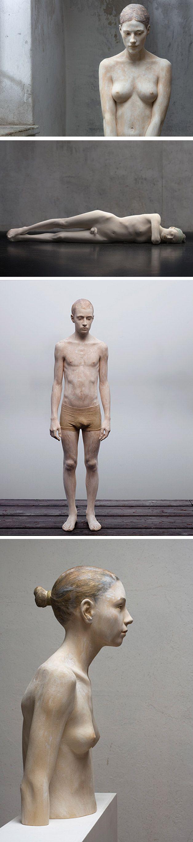 madeira1 >> O trabalho do artista italiano Bruno Walpoth é de cair o queixo com seu hiper-realismo em esculturas de madeira com uma noção de anatomia assustadora.