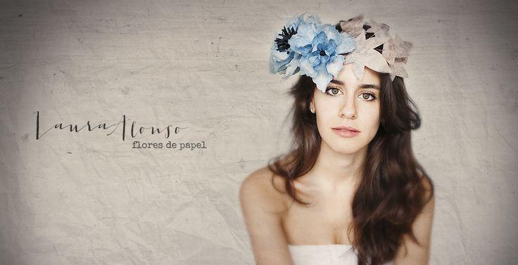 Corona de Flores de papel pintada a mano