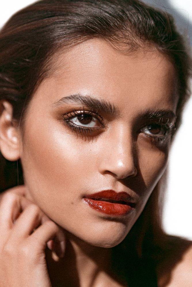 One Makeup Trick For Maximum Dew Skin makeup, Dewy skin