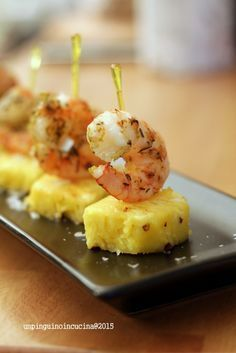 finger-food-gamberi-e-ananas                              …