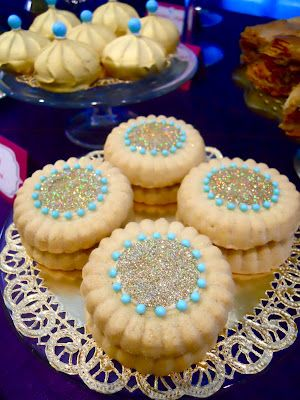 This Arabian Nights Jasmine Party comes alive with cookies! Merengues and shortbread become festive foods of a mirage.... they're sure to disappear!