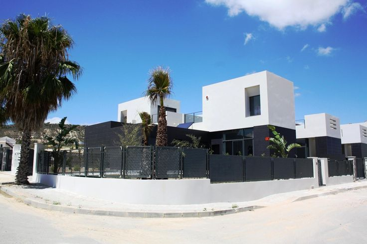 Exclusive development of modern semi-detached villas located in one of the best golf courses on the #CostaBlanca, #LaFincaGolf http://www.qsdgroup.com/property/townhouse-costa-blanca-2-bedrooms-2-bathrooms-2/