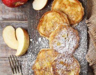 Le frittelle di mele sono tipiche del Trentino, regione in cui la mele abbondano.
