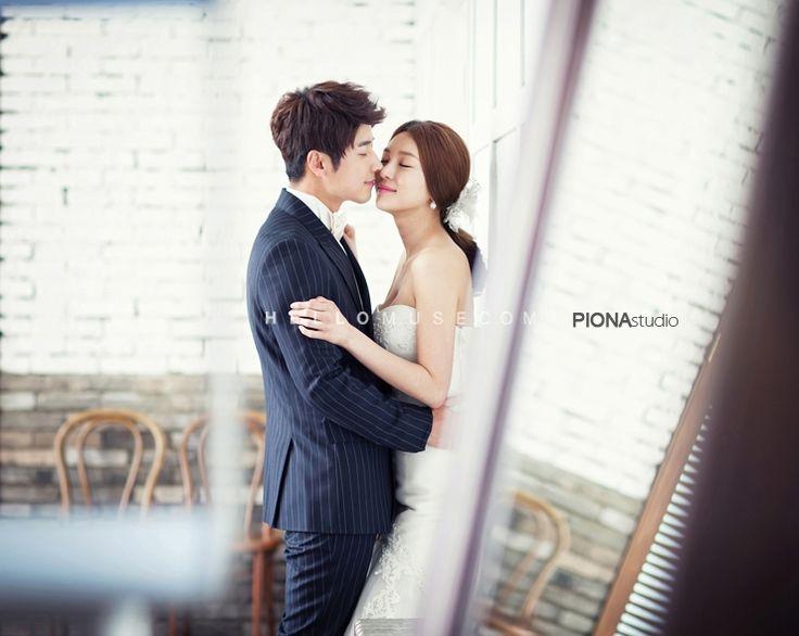 Korean pre wedding photo shoot,Korea concept pre wedding photography,stunning wedding photo,nice wedding photo,wedding studio in Korea,Korean wedding package,hellomuse,engagement photo shoot in Korea