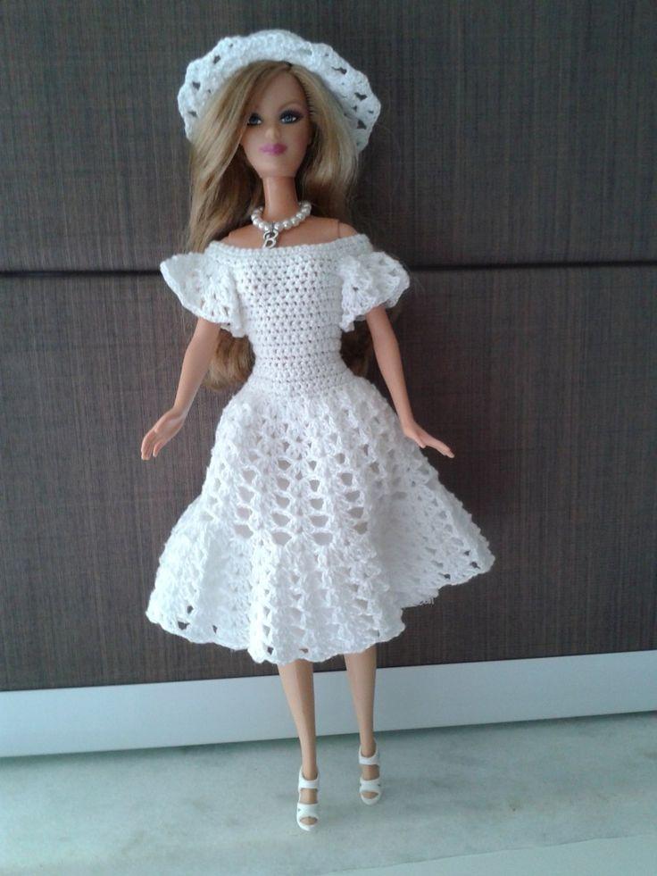 Roupa De Crochê Para Boneca Barbie - R$ 35,00                                                                                                                                                                                 Mais