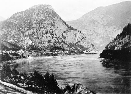 Mouth of the Fraser Canyon at Yale