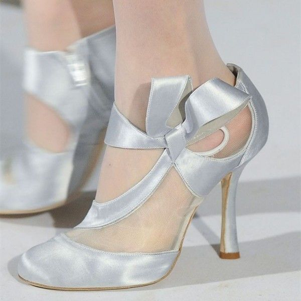 351155caf99b Women s Wedding Shoes Winter Fashion Silver Round Toe Satin Low-cut Uppers  Round Toe Strappy