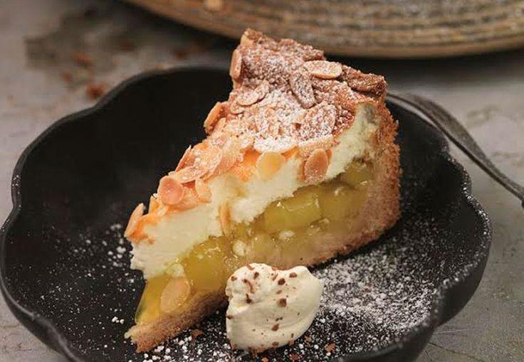Få opskriften på den bedste efterårskage med en skøn smag af kanel, kardemomme og pære.