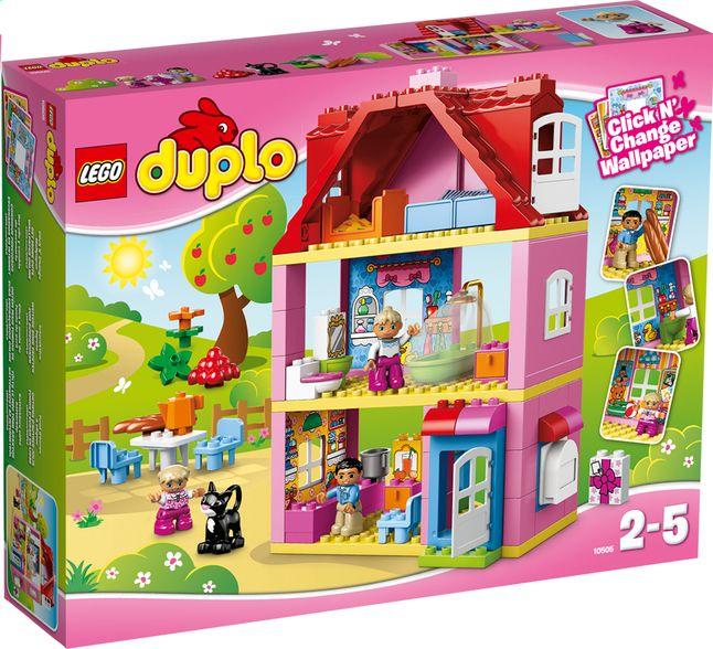 Bouw een echt droomhuis met deze speelset Speelhuis (10505) van LEGO DUPLO. Ontdek de comfortabele slaapkamer met balkon en de mooie badkamer.