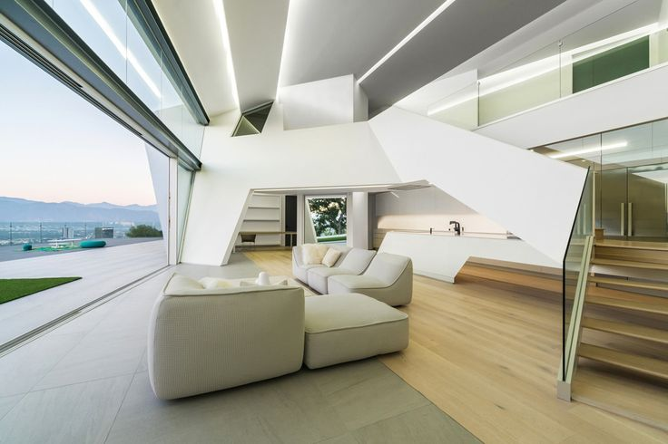 Вилла MU77 с необычной геометрией на Малхолланд-драйв, Голливуд