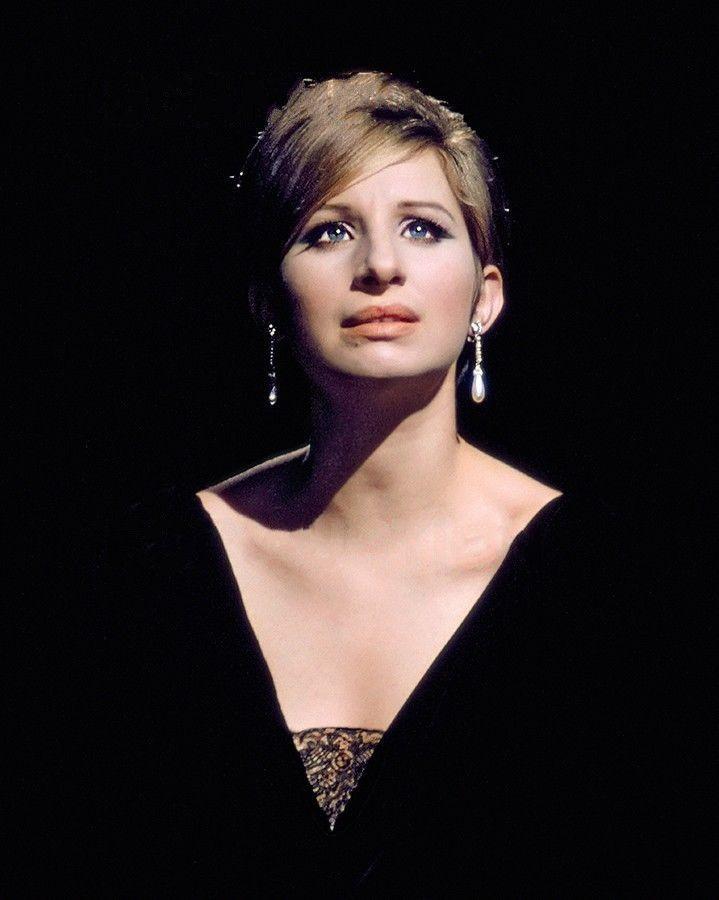 Barbra Streisand Nude Photos 39