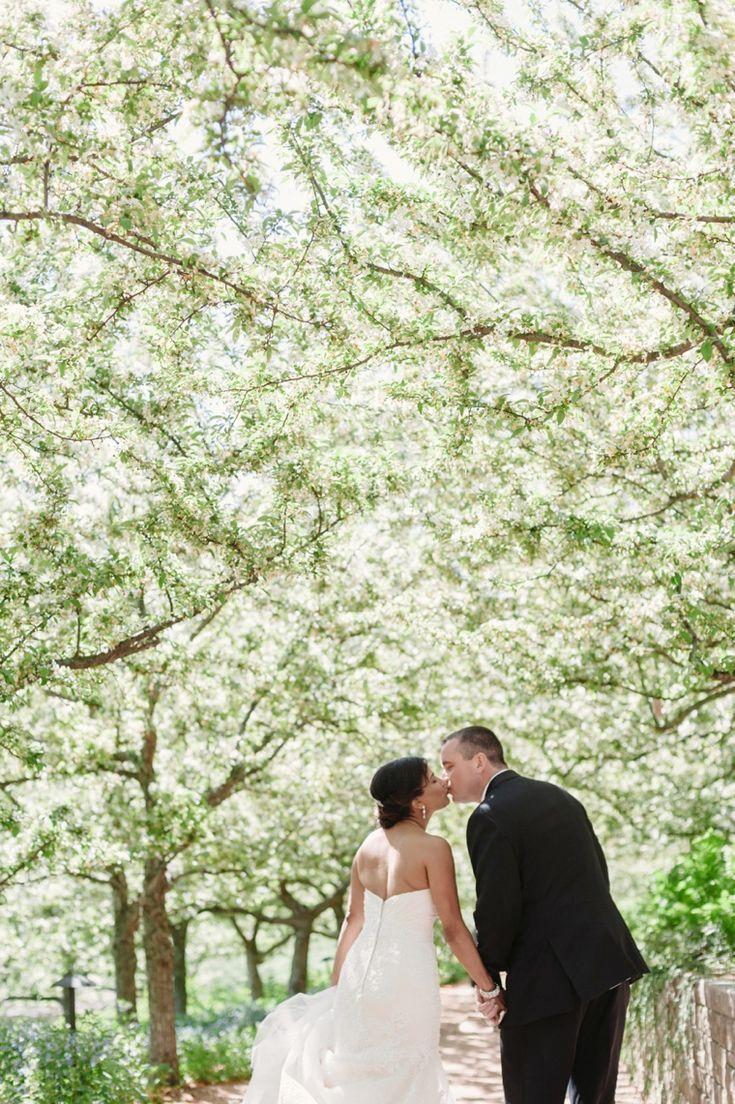 25 best ideas about botanical gardens wedding on pinterest unique wedding venues weddings in for Chicago botanic garden wedding