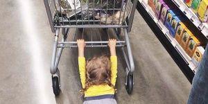 http://babyonline.pl/klada-sie-na-podlodze-urzadzaja-sceny-uciekaja-sprawdz-co-robia-dzieci-podczas-zakupow,wychowanie-przedszkolak-galeria,3638,r3.html