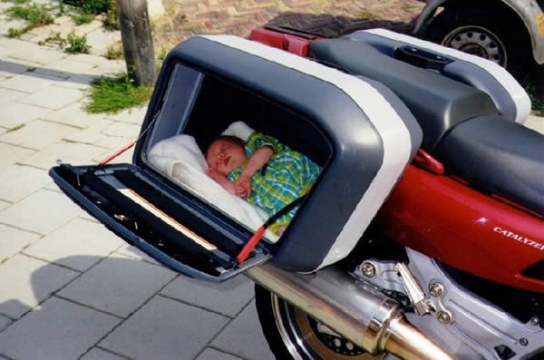 Baby pannier!: Motorcycles, Babies, Parents Fails, Fun Stuff, Carseat, Funny Biker, Funny Stuff, Funny Baby Pictures, Cars Seats
