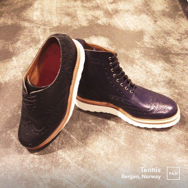 Handcrafted Goodyear Welted shoes by Grenson @ Tennis. #grenson #handcrafted #goodyearwelted #british #craftmanship #handmade #footwear #mensfashion #dapper #tennisshoesbergen #menswear #hybridshopping #bergen #norway
