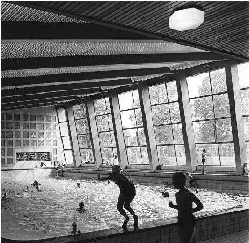 Overdekte zwembad. Memories....