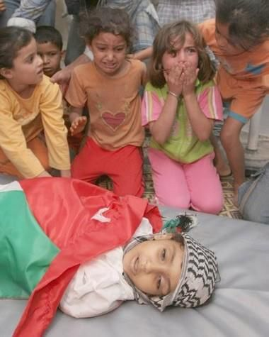 Free Palestine OMG this made me cry May Allah make it easy for all of those that suffer