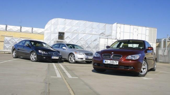 """Tym razem coś dla tych, którzy na """"używkę"""" mogą przeznaczyć 70-100 tys. zł, a w zamian oczekują wysokiego prestiżu. Na przykładzie BMW 550i, Hondy Legend i Lexusa GS 450h sprawdzamy, czy w parze z ceną idzie wysoka trwałość"""