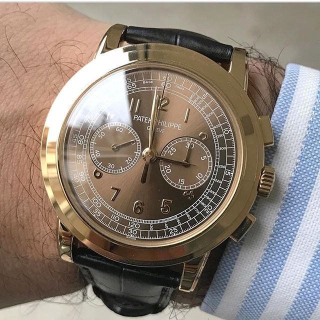One of those ultra rare 5070 made for the Saatchi exposition in London Only 5 of these exist Picture by @thewatchcollection_8  #patek #patekphilippe #dailywatch  #wotd #watchmania #watchaddict  #montre #uhren #reloj #chrono #chronograph  #lovewatches #watchs #watches #wristwatch #wristporn #wristcandy #wristgame #watches #watchnerd #watchporn #horloge #horlogerie #watchesofinstagram #watchoftheday #watch #geneva #london #
