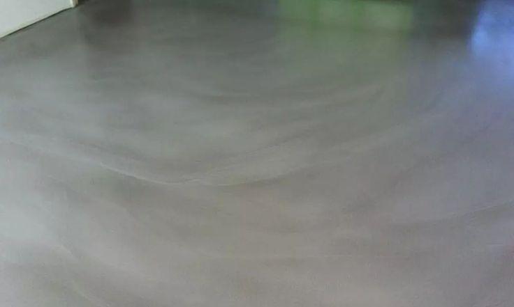 Een design betonvloer is een cementgebonden vloer die een stoere en unieke uitstraling heeft. Ook wel bekend als woonbeton. Bekijk de mogelijkheden.