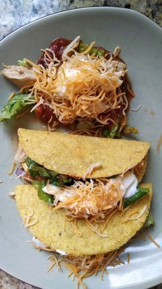 21 Day Fix Shredded Chicken Tacos: Great blog where she shows exactly what she ate for 21 days