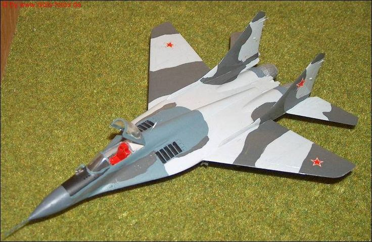 Mikojan-Gurewitsch MiG-29 (Fulcrum) Jäger (Hasegawa K-22) 1:72
