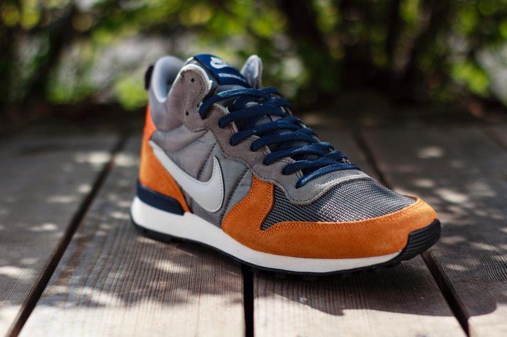 Nike Internationalist Mid: Grey/Blue/Orange | Sneakers, Snicker ...
