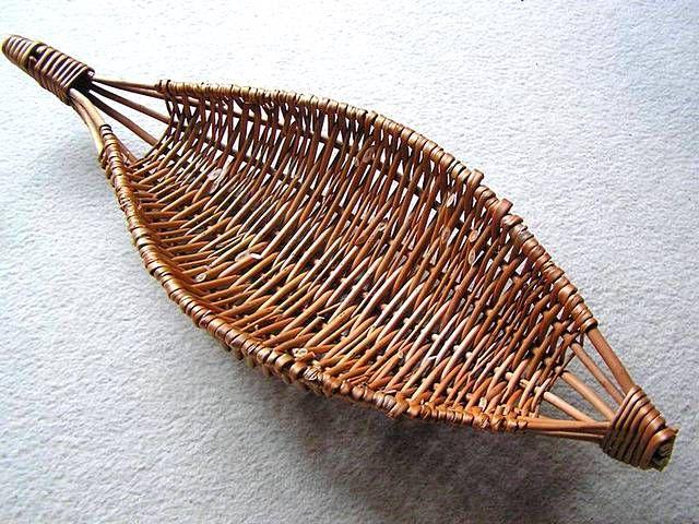 J35: Commissioned banana-shaped frame basket.