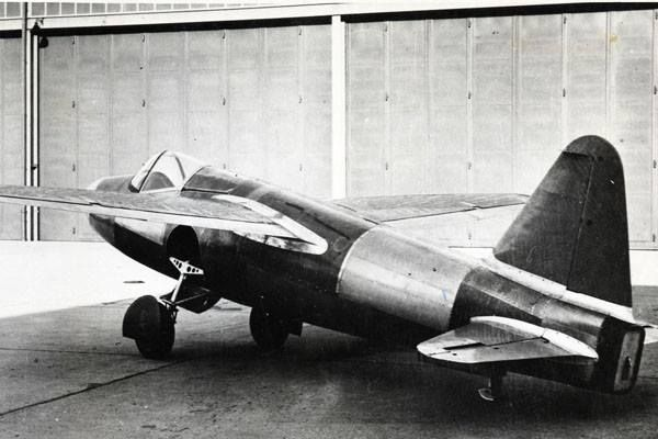 August 27, 1939 The maiden flight of the Heinkel He 178, It is invented by Hans von Ohain and piloted by company test pilot Erich Warsitz, it is the world's first aircraft to fly under turbojet power, and the first practical jet aircraft.