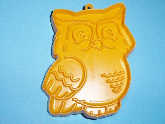 1980 Hallmark Owl Cookie Cutter