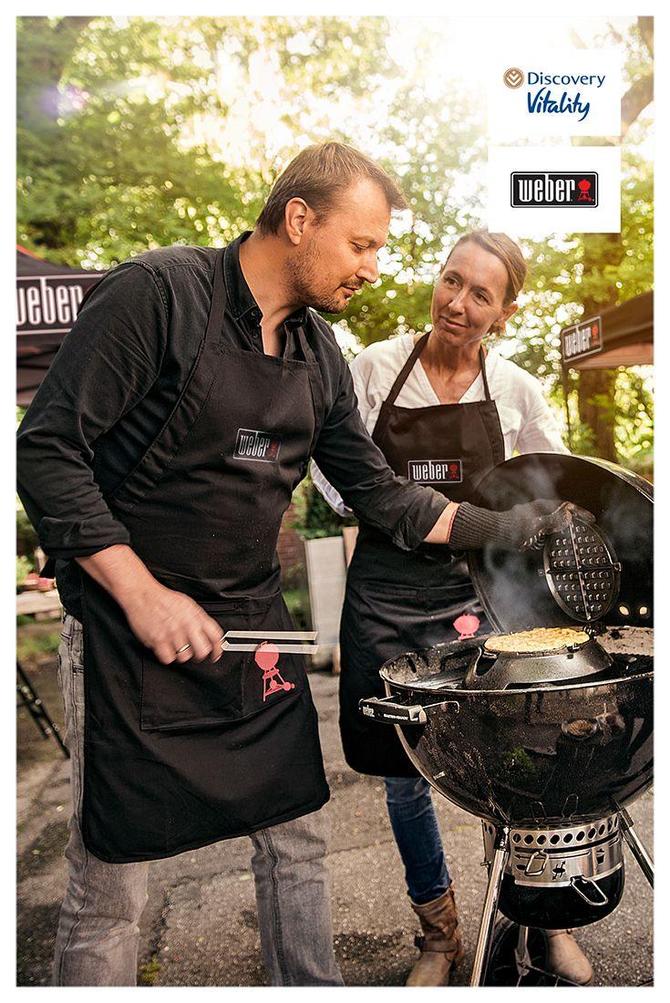 Nothing beats a great conversation around a braai with friends. Book your next #HealthyFoodStudio braai course with our friends Weber and learn how to prepare healthy, flame-grilled meals: discv.co/HFSBraai