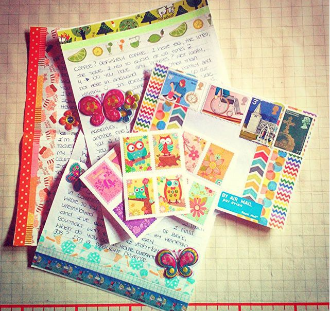 Happy Outgoing Mail Ready To Travel To (Inside) UK