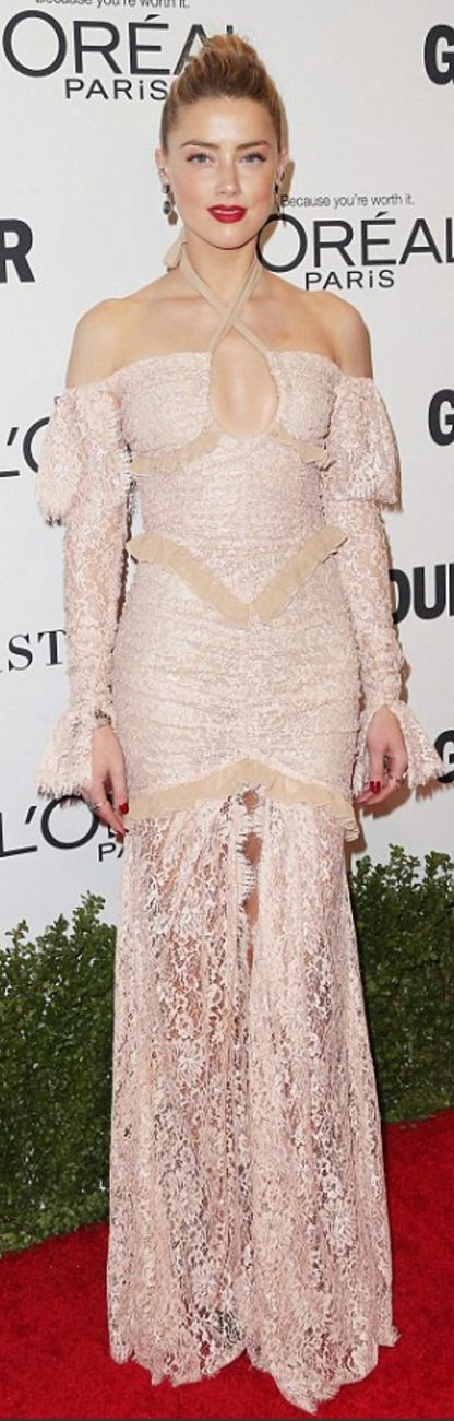 Amber Heard: Jewelry – Anita Ko  Dress – Alessandra Rich
